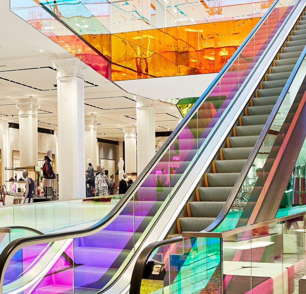 Saks Fifth Ave VT-LGC-2019-escalator-view
